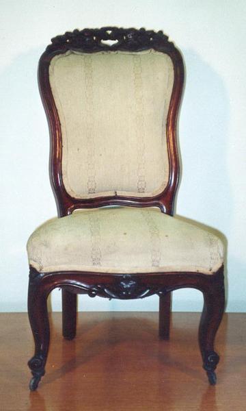 restaurator. Black Bedroom Furniture Sets. Home Design Ideas